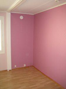 Seinät maalattuna